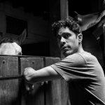 Damon Daunno as Curly - Photo: Brigitte Lacombe